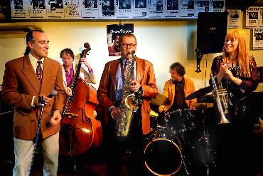 Langs de Lijn - Menno Veenendaal met Shai Shahar en Clous van Mechelen Kwartet ft. Saskia Laroo